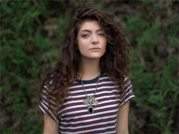 3 Wild Speculations About Lorde's Cryptic TV Ad
