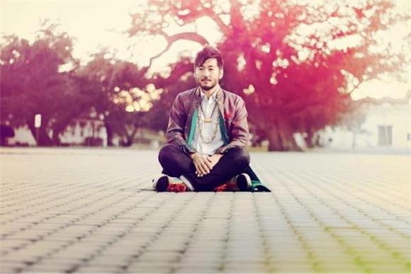 Kishi Bashi's Wild and Wonderful World Of Looping