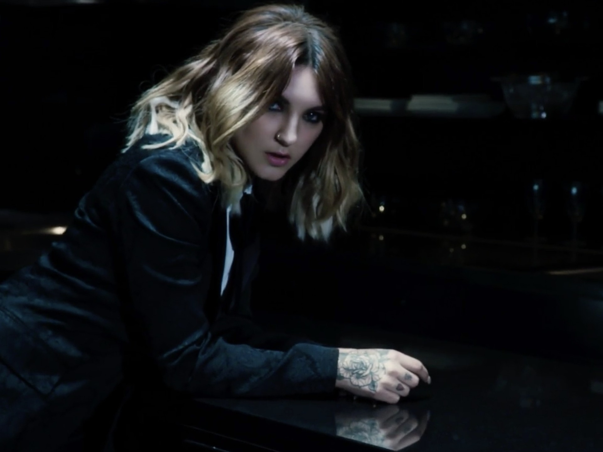 julia michaels shows how to bring sexy back with new video for