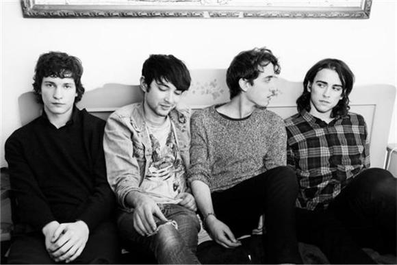Stream: Beach Fossils