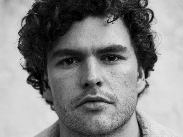 NOW PLAYING: A Baeble Session With Vance Joy