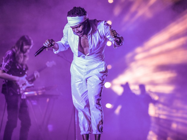 Watch Early Childish Gambino Freestyle Rap To AC/DC