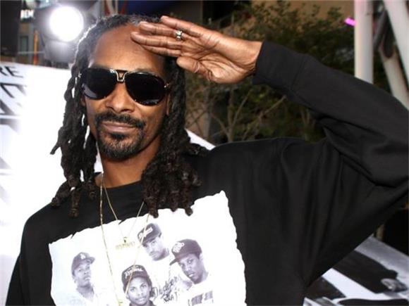 WTF WEEKLY: Snoop Dogg Responds To Trump's Threat + More
