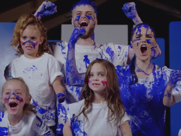 SOFI TUKKER Really Are Queens in New Video For 'Baby I'm A Queen'
