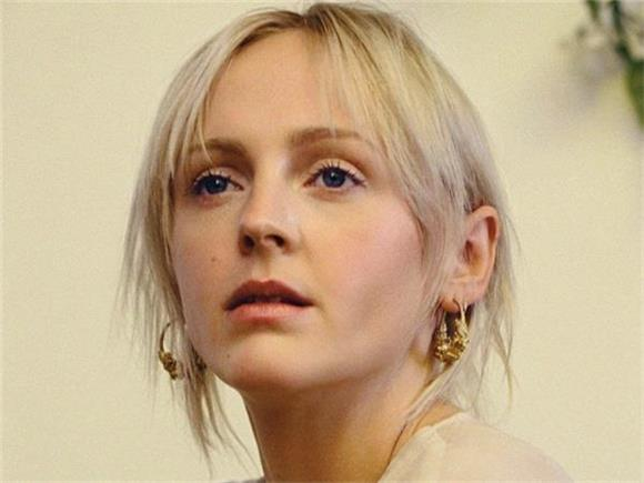 Laura Marling is Barely a Folk Singer on 'Nothing, Not Nearly'
