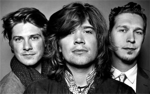 Throwback Thursdays: The Brotherly Love of Hanson's Rooftop Session