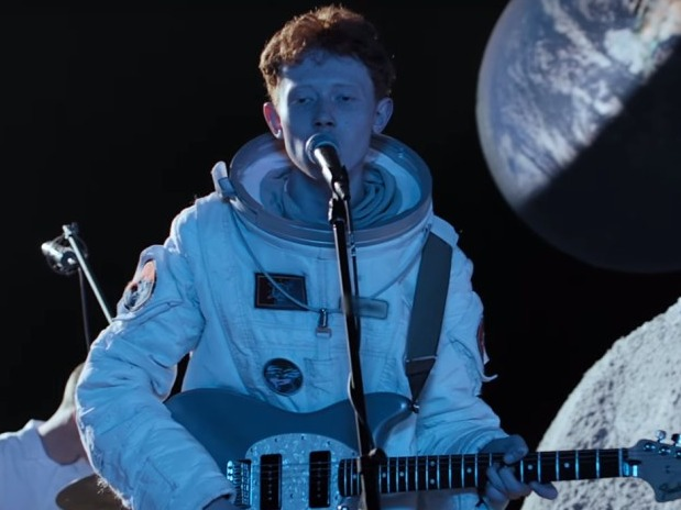 Watch King Krule perform on the moon…