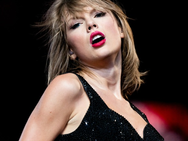 Here's Taylor Swift covering Earth, Wind & Fire's 'September'