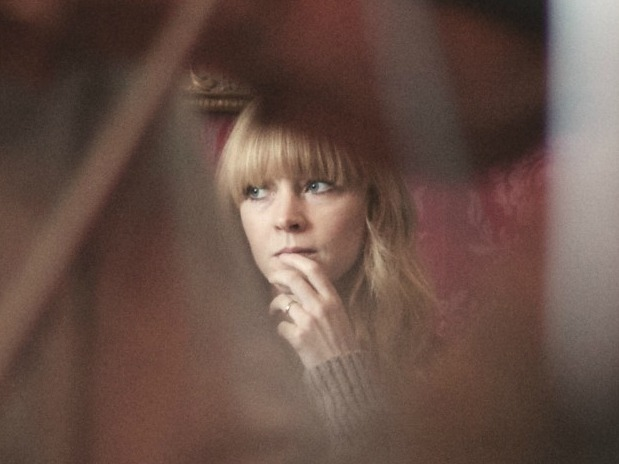 An Intimate Night At Le Poisson Rouge With Lucy Rose