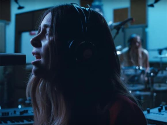 Haim Is Back With Intense New Song 'Right Now'