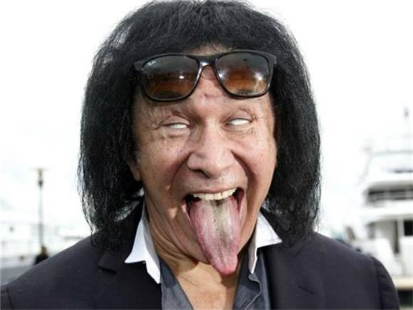 5 Reasons to Believe that Gene Simmons is an Insufferable Idiot