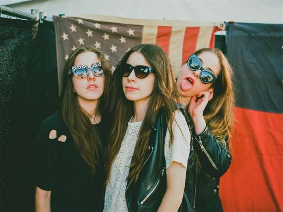 Haim Premiere Soulful New Track 'Little Of Your Love' on 'SNL'