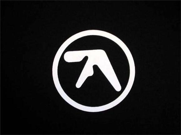 hear new aphex twin