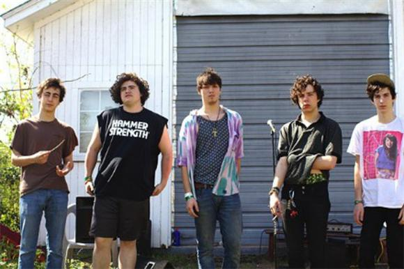 Twin Peaks Act Like Teenagers In New Video, Because They Are