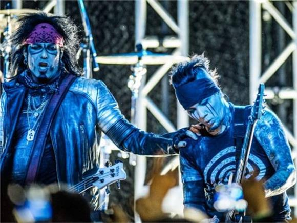 LIVE REVIEW: SIXX:A.M. at The Starland Ballroom