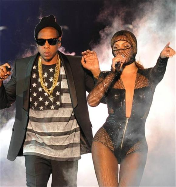 Watch: First 10 Minutes of Beyonce and Jay Z's 'On the Run' Tour