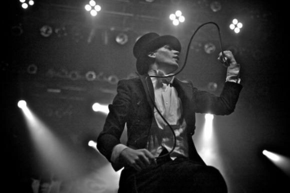 Experiencing The Greatest Live Act of the '00s: The Hives