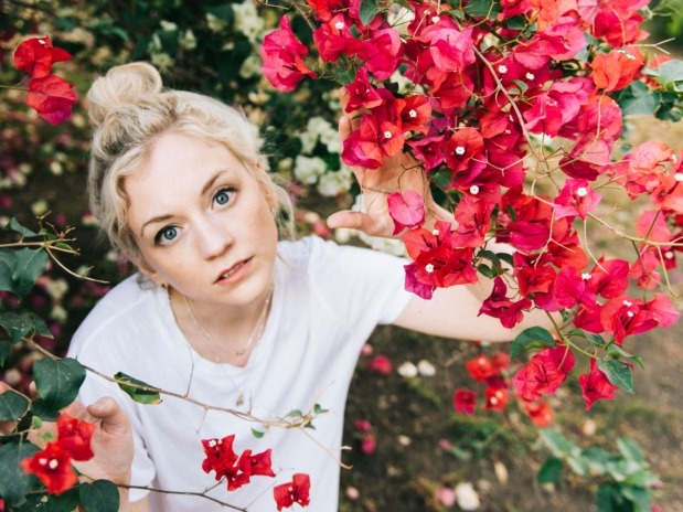 BAEBLE FIRST PLAY: Emily Kinney Does It All