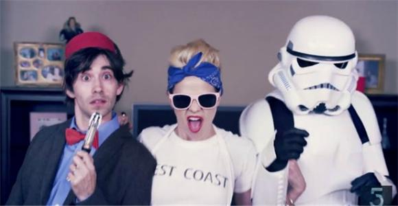 Miley Cyrus Gets A Comic-Con Cosplay Parody