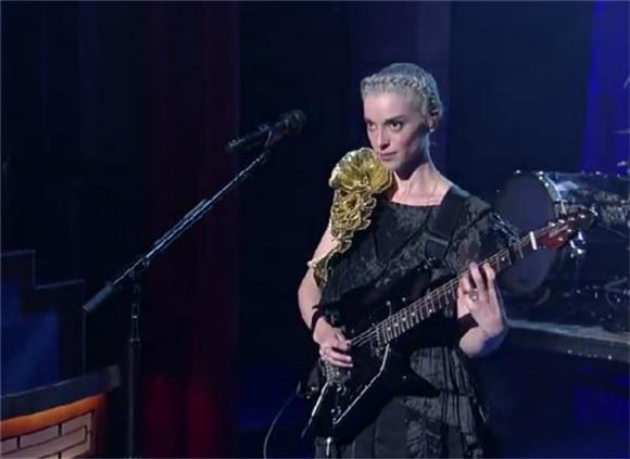 St. Vincent Seduced Letterman with 'Bring Me Your Loves'