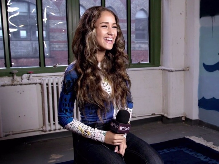 NOW PLAYING: Skylar Stecker Brings Her Polished Pop To Baeble