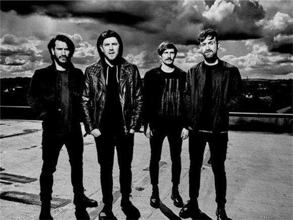 BAEBLE FIRST PLAY: Twin Atlantic's Behind The Scenes Video for 'No Sleep'