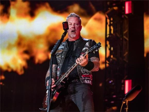 CAPTURED LIVE: Metallica Play Huge Sold Out Show at U.S. Bank Stadium in Minneapolis