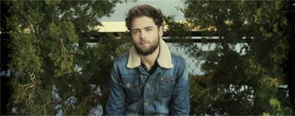 Passenger Covers Simon and Garfunkel and Continues to Charm Us All