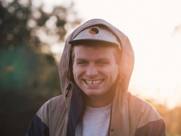 Mac DeMarco Gives Fantastic Advice to Musicians For Ernie Ball