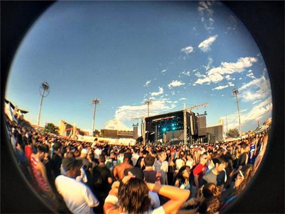 Coney Island Proves To Be The Best Crowd at Sold Out Mad Decent Block Party