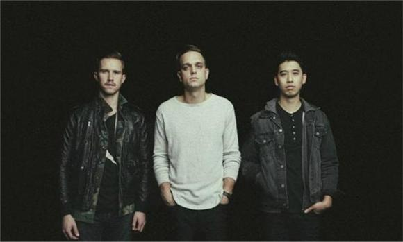 Watch: SIR SLY 'You Haunt Me'