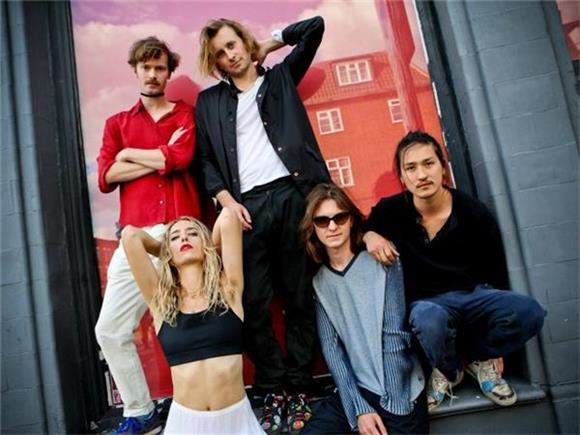 INTERVIEW: Pumarosa on Touring with Glass Animals and Performing in Old Italian Cinemas