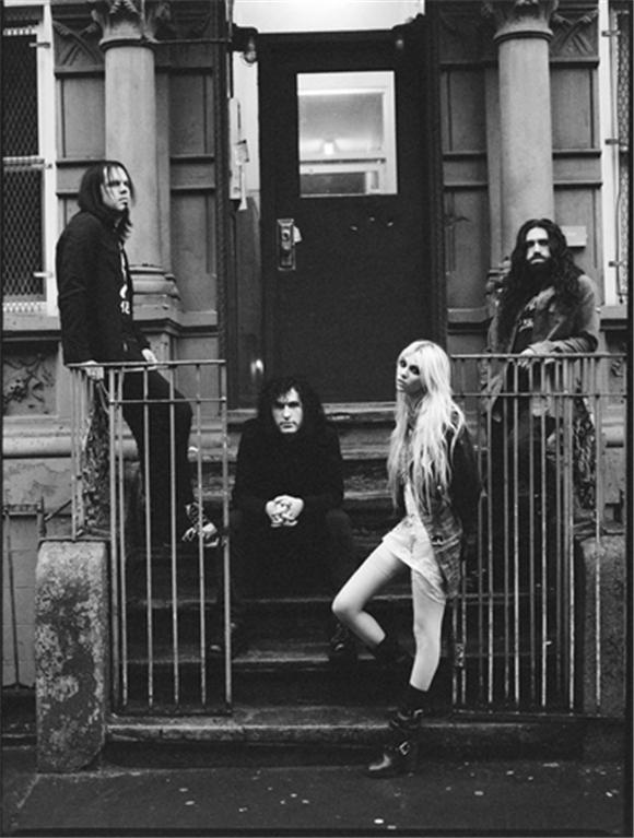on tour: the pretty reckless
