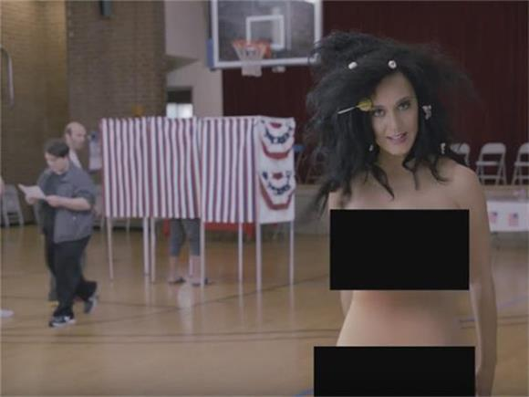 WTF WEDNESDAY: Katy Perry Gets Naked, Bieber Hates His Fans, Adele Rejects Pippa Middleton