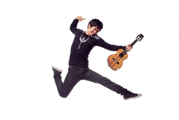 Jake Shimabukuro Brings His Earth-Soothing Strum to the Baeble HQ