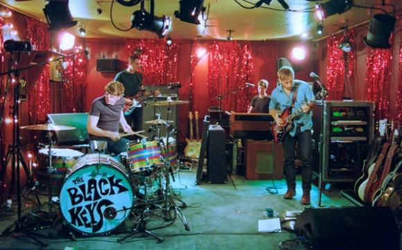 The Black Keys Keep It Simple for 'Little Black Submarines'