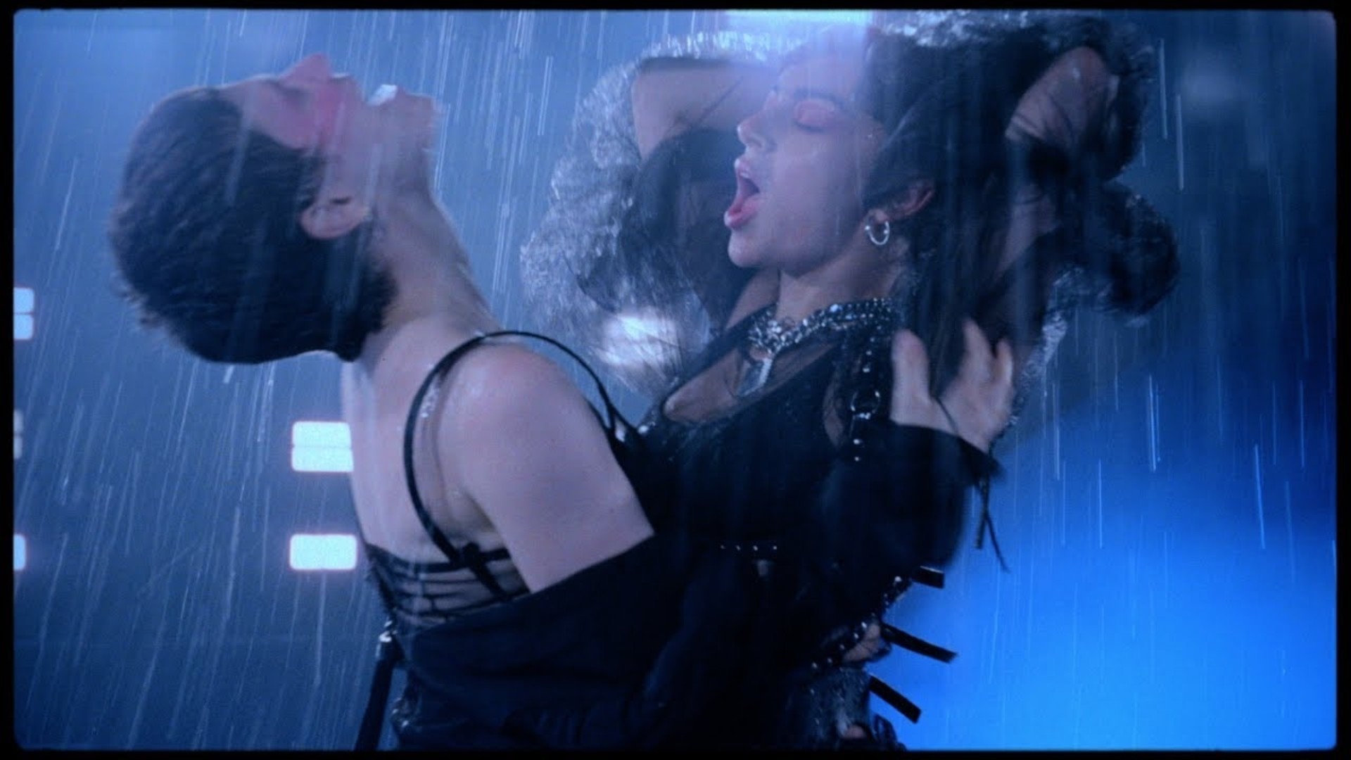 Music Video - Charli XCX - Gone ft Christine and The Queens