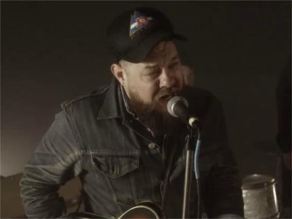 Music Video - Nathaniel Rateliff And The Night Sweats - Howling At Nothing