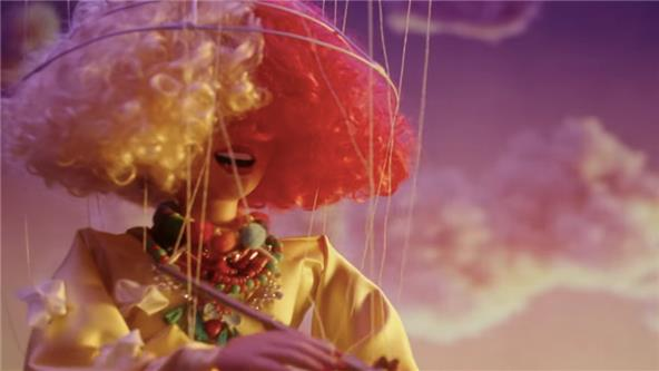 Music Video - Sia - Thunderclouds ft  LSD,Diplo, Labrinth