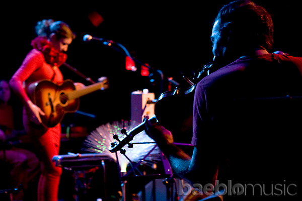 Clare and the Reasons - Le Poisson Rouge