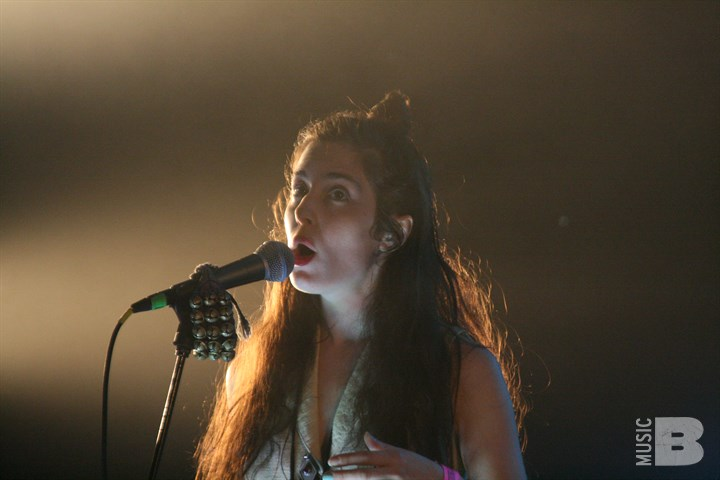 Austra - Hype Hotel