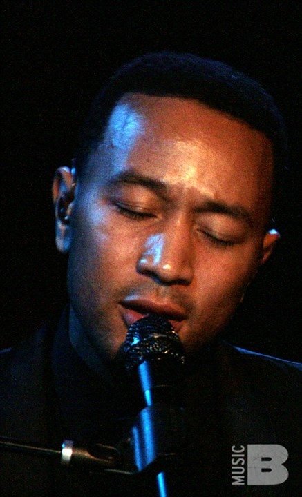 John Legend And The Roots - Sleep No More